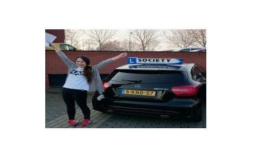 https://www.rijschoolsociety.nl/wp-content/uploads/photoalbum/Celine%20Hendriks.jpg